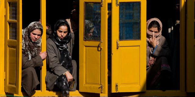 Kvinnor reagerar på en begravning av en separatist som dött. Dar Yasin / TT NYHETSBYRÅN/ NTB Scanpix