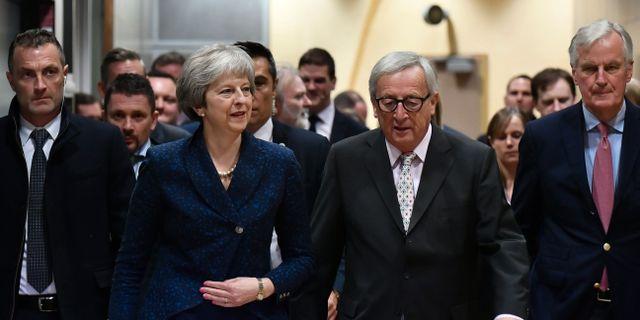 Arkivbild: Theresa May och Jean-Claude Juncker PHILIPPE LOPEZ / AFP