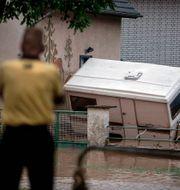 Översvämningar i närheten av Euskirchen. Fabian Strauch / TT NYHETSBYRÅN
