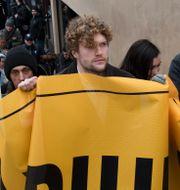 Filip Sjöström under en demonstration i mars. Henrik Montgomery/TT / TT NYHETSBYRÅN