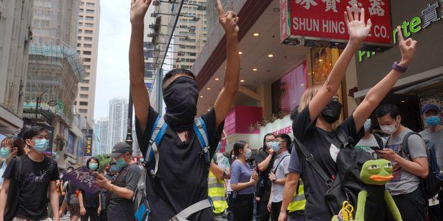 Demonstranter i Hongkong.  Vincent Yu / TT NYHETSBYRÅN