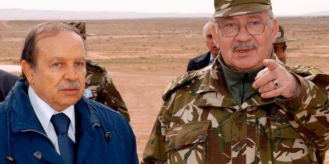 Abdelaziz Bouteflika och Ahmed Gaid Salah. Ouahab Hebbat / TT NYHETSBYRÅN/ NTB Scanpix