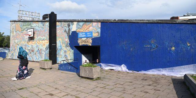 Den förstörda muralmålningen i Rågsved. Henrik Montgomery/TT / TT NYHETSBYRÅN