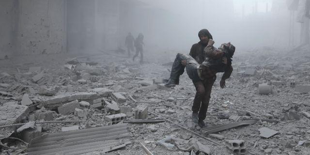 Civila dodade av amerikansk flygrad i syrien