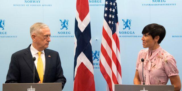 USA:s utrikesminister James Mattis och Norges utrikesminister Ine Eriksen Søreide. Jim Watson / TT NYHETSBYRÅN/ NTB Scanpix