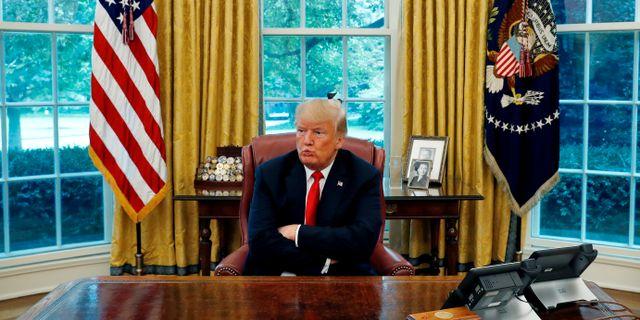Donald trump skyldig analytiker flera miljoner