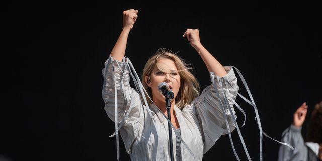 Molly Sandén uppträder på Lollapalooza på Gärdet i Stockholm. Stina Stjernkvist/TT / TT NYHETSBYRÅN