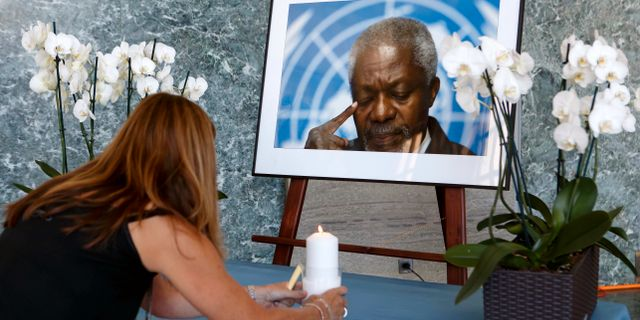 Kofi Annan hedras i FN-skrapan SALVATORE DI NOLFI / TT / NTB Scanpix