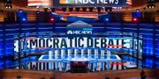 Den första tv-debatten inför Demokraternas primärval går av stapeln onsdag natt svensk tid. SAUL LOEB / AFP
