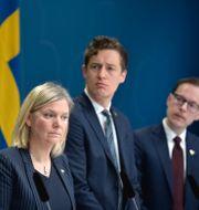 Finansminister Magdalena Andersson (S), Emil Källström (C) och Mats Persson (L)  Pontus Lundahl/TT / TT NYHETSBYRÅN