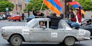 Arkivbild från demonstrationerna i Armeniens huvudstad Jerevan i april.  Sergei Grits / TT NYHETSBYRÅN/ NTB Scanpix