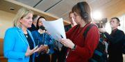 Finansminister Magdalena Andersson intervjuas efter att ha presenterat nya satsningar på välfärden.  Fredrik Persson/TT / TT NYHETSBYRÅN