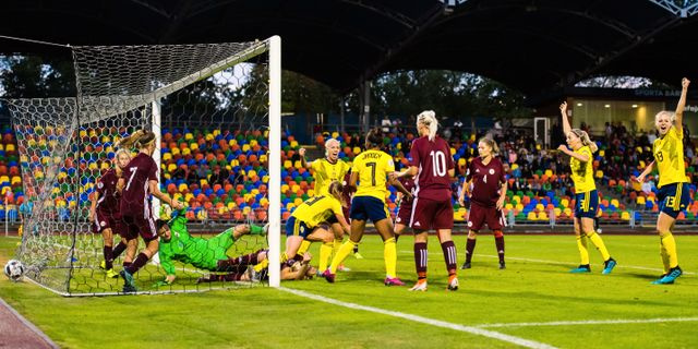 Sverige gör 4–1 – på hörna. SIMON HASTEGÅRD / BILDBYRÅN