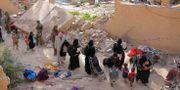 IS-anslutna på väg ut ur staden Baghuz. Arkivbild. RODI SAID / TT NYHETSBYRÅN