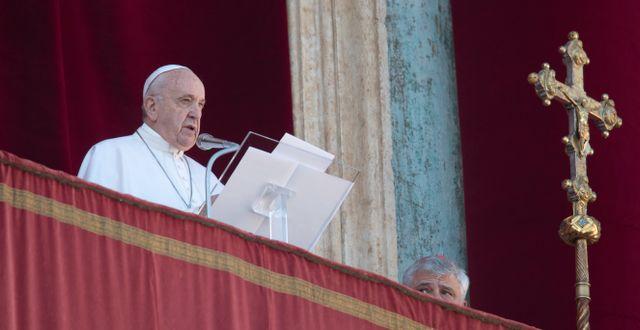 Påve Franciskus håller sitt årliga jultal i Vatikanen. Alessandra Tarantino / TT NYHETSBYRÅN