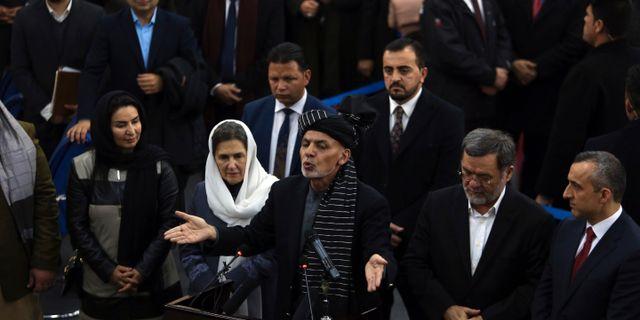 Afghanistans president Ashraf Ghani talar sedan han meddelat sin kandidatur till valet i januari. Rahmat Gul / TT NYHETSBYRÅN/ NTB Scanpix