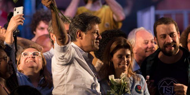 Fernando Haddad med sin fru Ana Estela Haddad. Leo Correa / TT NYHETSBYRÅN