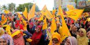 Människor på Maldiverna firar valresultatet. Eranga Jayawardena / TT NYHETSBYRÅN