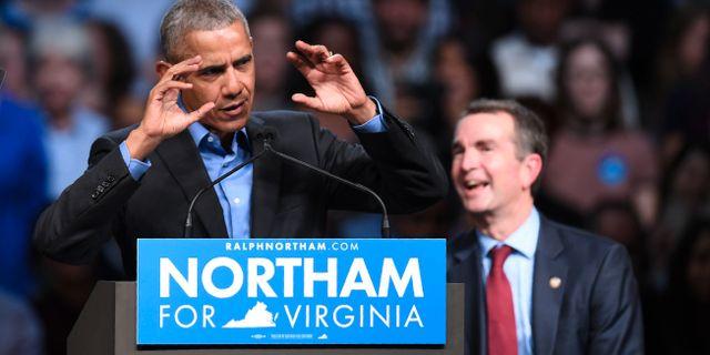 Den tidigare presidenten Barack Obama under ett kampanjmöte för den demokratiske guvernörskandidaten Phil Murphy. JIM WATSON / AFP