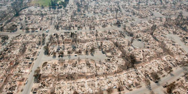 Flygbild över eldhärjad mark i Santa Rosa. JOSH EDELSON / AFP