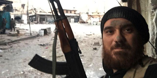En man som anslutit sig till Hayat Tahir al-Sham.   Uncredited / TT / NTB Scanpix
