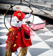 Cirkus Cirkör utanför Kulturhusets fasad, 2008. Robert Henriksson / SvD / TT / TT NYHETSBYRÅN