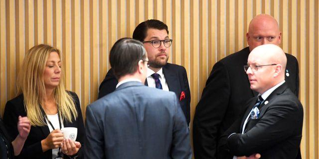 SD:s Jimmie Åkesson och Björn Söder under talmansvalet på måndagen. Fredrik Sandberg/TT / TT NYHETSBYRÅN