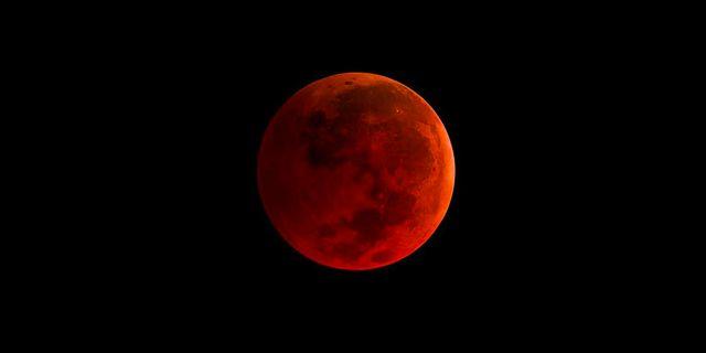 Måndagens röda superblodmåne blir något alldeles extra. Wikicommons