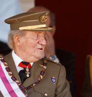 Juan Carlos med den nuvarande kungen Felipe. Arkivbild. Daniel Ochoa de Olza / TT NYHETSBYRÅN