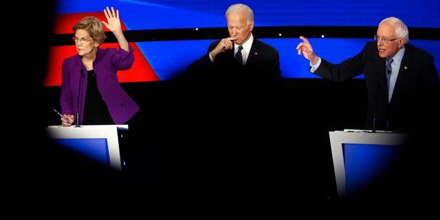 Elizabeth Warren, Joe Biden och Bernie Sanders under debatten. Patrick Semansky / TT NYHETSBYRÅN