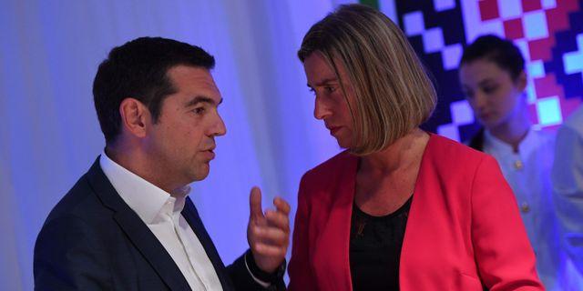 Greklands premiärminister Alexis Tsipras och EU:s utrikeschef Federica Mogherini.  VASSIL DONEV / POOL
