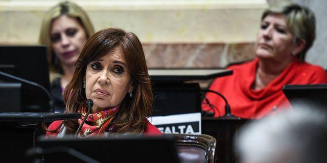 Senatorn och den tidigare presidenten Cristina Fernandez de Kirchner under debatten om lagförslaget.  HO / Prensa Senado