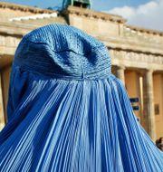Kvinna i burka i Berlin, arkivbild. DAVID GANNON / AFP