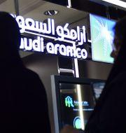 Kvinnor på utställning om Aramco i Riyad. Illustrationsbild. FAYEZ NURELDINE / TT NYHETSBYRÅN