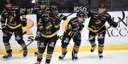 AIK:ss Garry Nunn jublar efter sitt 2–0-mål. Jonas Ekströmer/TT / TT NYHETSBYRÅN