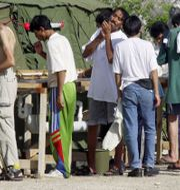 Flyktingar på Nauru, arkivbild Rick Rycroft / TT / NTB Scanpix