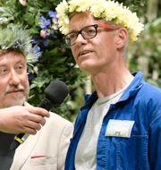 Johar Bendjelloul intervjuar läkaren Johan von Schreeb när årets sommarpratare presenteras på presskonferens i Berwaldhallen Anders Wiklund/TT / TT NYHETSBYRÅN