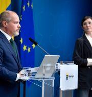 Justitieminister Morgan Johansson och jämställdhetsminister Märta Stenevi.  Jessica Gow/TT / TT NYHETSBYRÅN
