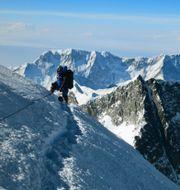 Världens högsta berg Mount Everest.  Adrian Ballinger / TT NYHETSBYRÅN