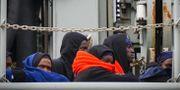 Flyktingar som rest från Libyen går i land i Italien. Arkivbild. Cesare Abbate / TT / NTB Scanpix