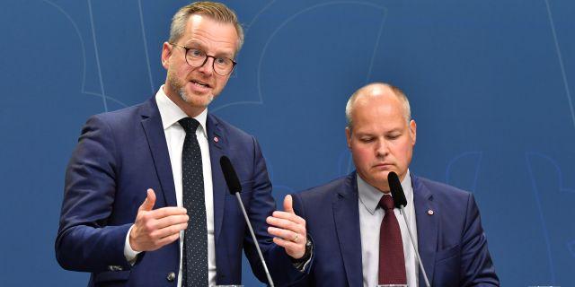 Inrikesminister Mikael Damberg (S) och  justitieminister Morgan Johansson (S).  Jonas Ekströmer/TT / TT NYHETSBYRÅN
