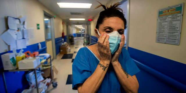 Sjuksköterska i Italien. Arkivbild. Luca Bruno / TT NYHETSBYRÅN