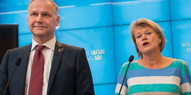 Jonas Sjöstedt och Ulla Andersson. Arkivbild. JONAS EKSTRÖMER / TT / TT NYHETSBYRÅN