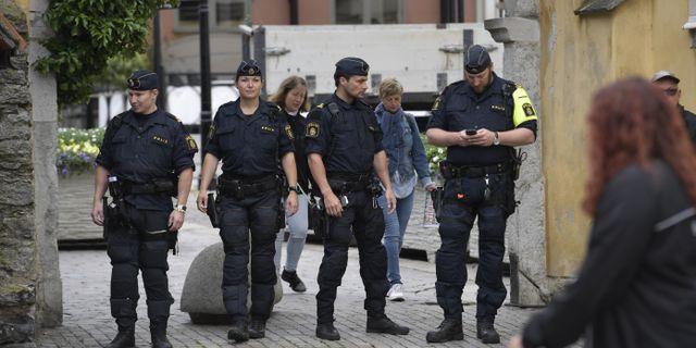 Poliser på plats i Almedalen 2017.  Janerik Henriksson/TT / TT NYHETSBYRÅN