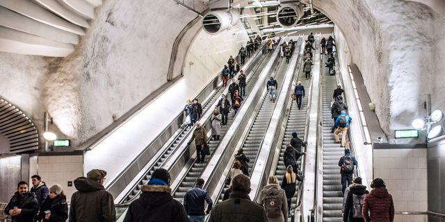 Sl rulltrappor oppnar efter tre veckor