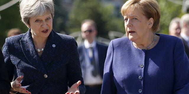 Arkivbild: Storbritanniens och Tysklands ledare Theresa May och Angela Merkel. TT