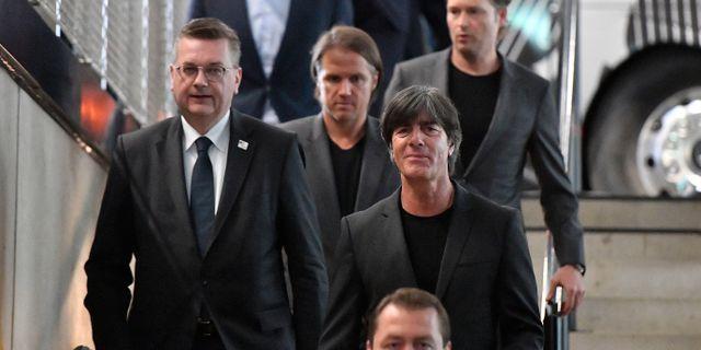 Tyska landslagsledningen.  Martin Meissner / TT / NTB Scanpix