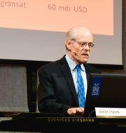 Jesper Hansson, chef för avdelningen för penningpolitik, och Riksbankens chef Stefan Ingves kommenterar dagens räntebesked under en pressträff i Stockholm. Ali Lorestani/TT / TT NYHETSBYRÅN