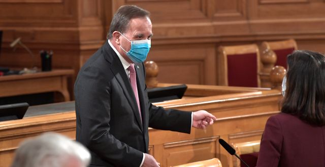 Statsminister Stefan Löfven (S) anländer för att frågas ut i Konstitutionsutskottet, KU, om regeringens agerande i samband med bland annat coronapandemin Pontus Lundahl/TT / TT NYHETSBYRÅN