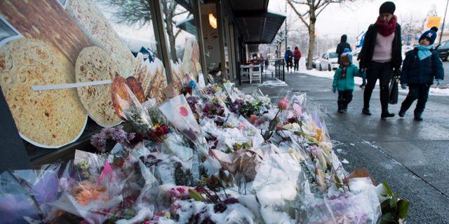 En minnesplats efter dödsoffren i Kanada Jonathan Hayward / TT NYHETSBYRÅN
